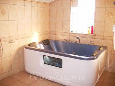 Zlatna Ribka family hotel17