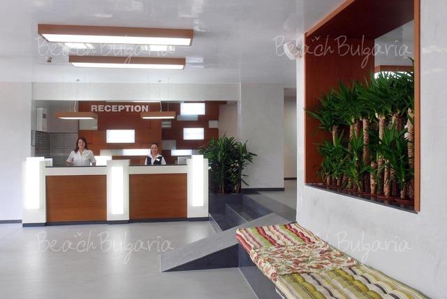 Excelsior Hotel9