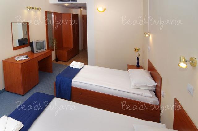 Scape Royal Beach hotel4