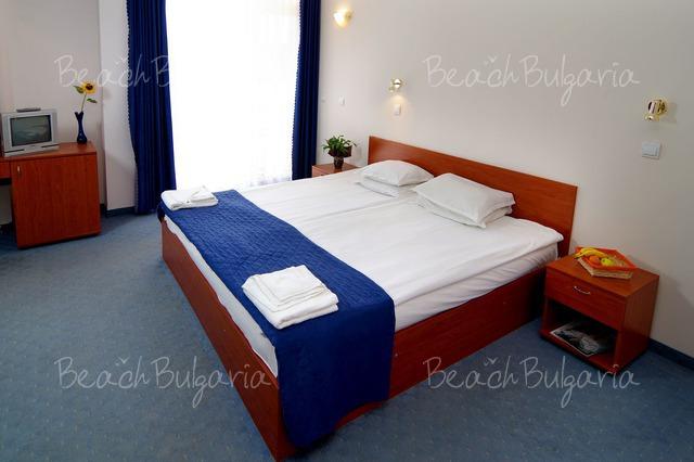 Scape Royal Beach hotel5