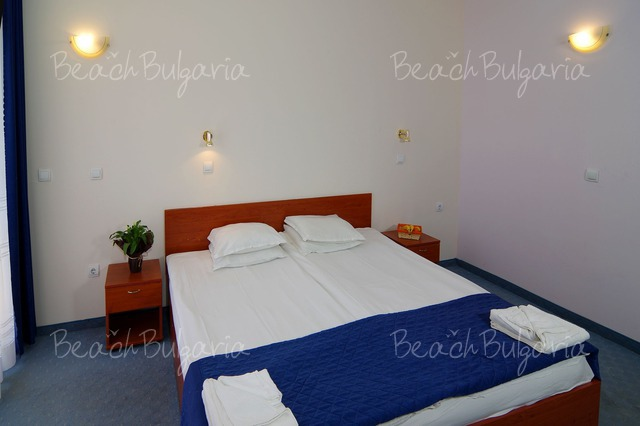 Scape Royal Beach hotel6