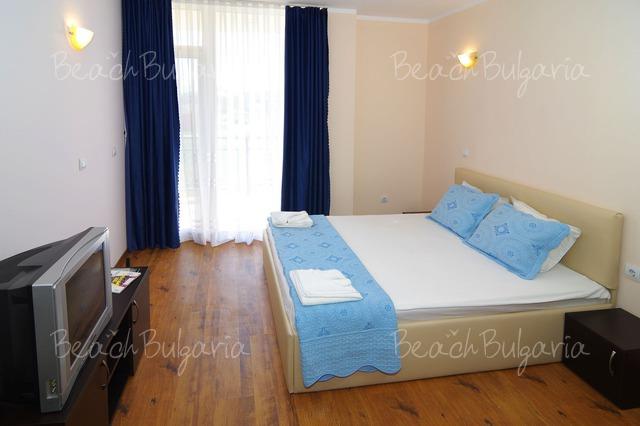 Scape Royal Beach hotel8