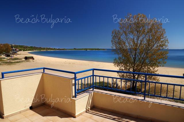 Scape Royal Beach hotel10