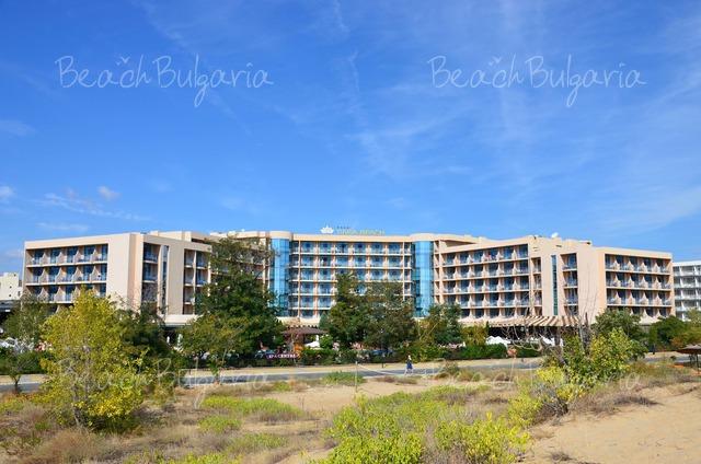 Tiara Beach hotel3