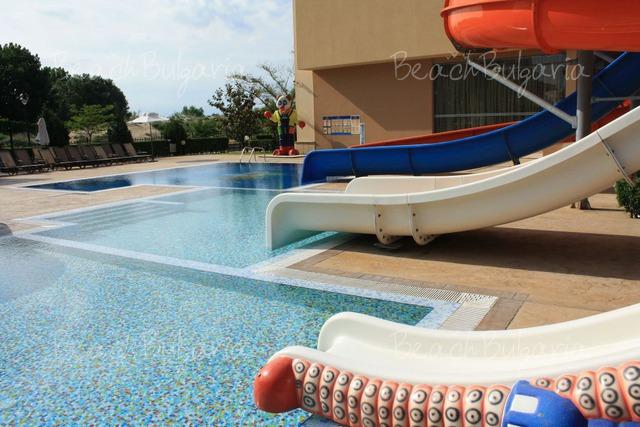 Tiara Beach hotel37
