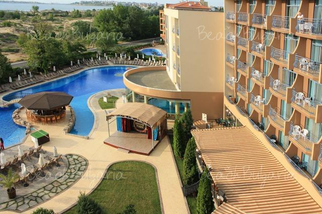 Tiara Beach hotel5