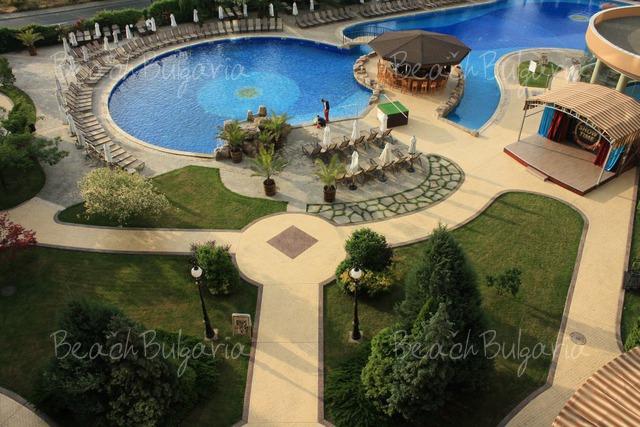 Tiara Beach hotel6