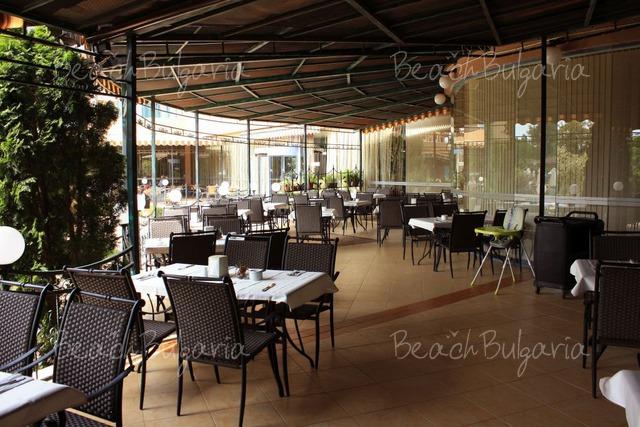 Tiara Beach hotel9