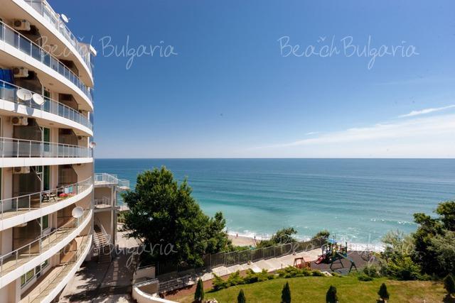 Silver Beach Resort3