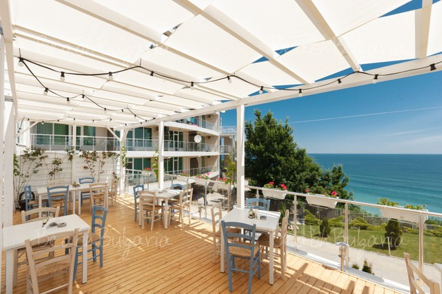 Silver Beach Resort25