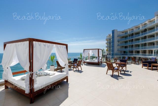Silver Beach Resort4