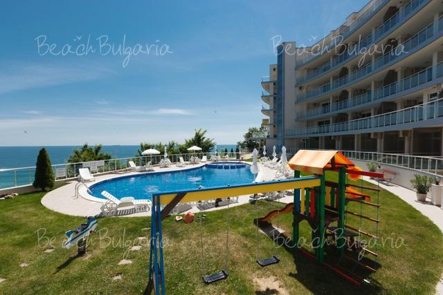 Silver Beach Resort32