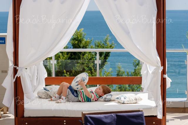 Silver Beach Resort5