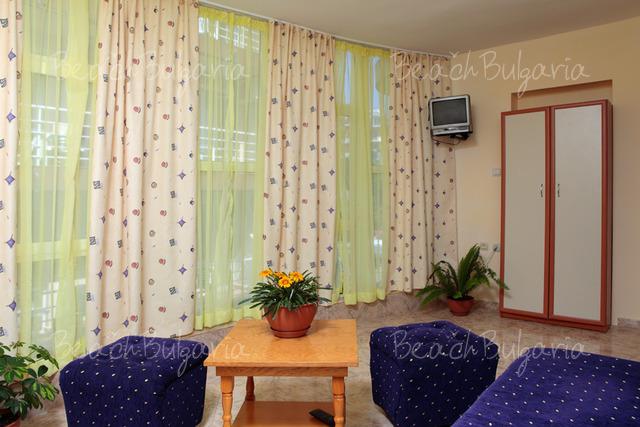 Yannis Family Hotel12