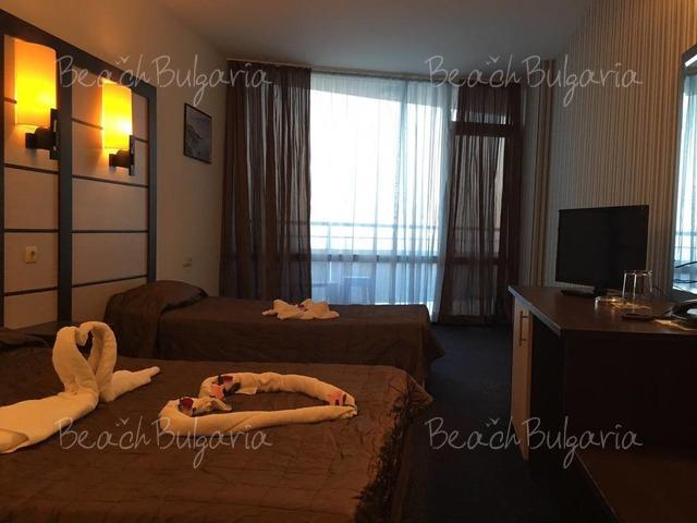 Sunny Bay hotel9