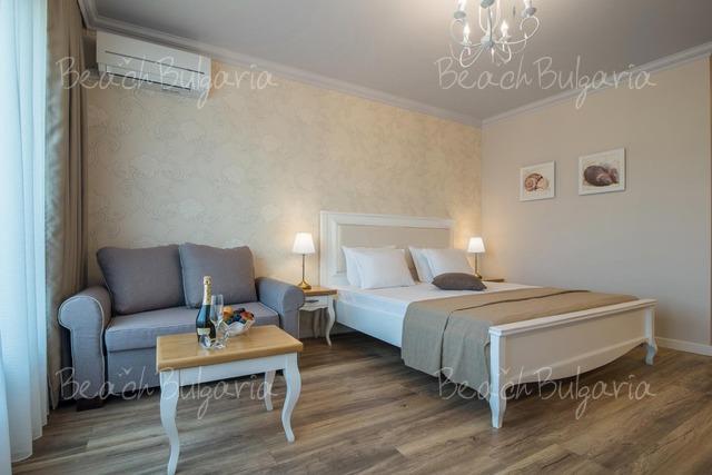 Sunny Castle hotel15