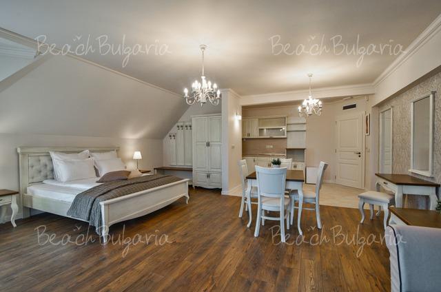 Sunny Castle hotel18