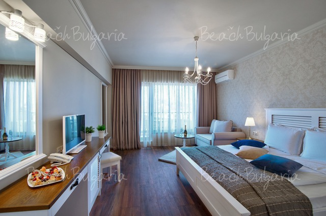 Sunny Castle hotel5