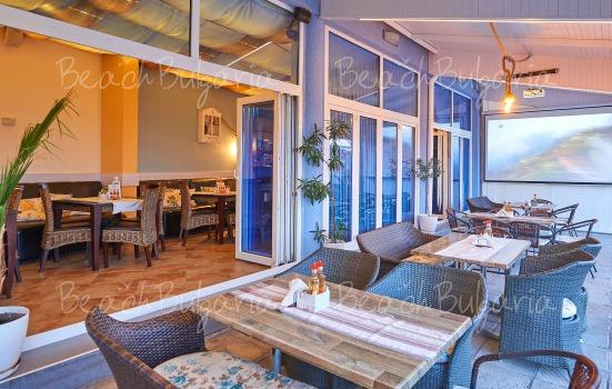 Regatta hotel12
