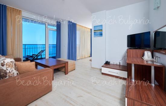 Regatta hotel5