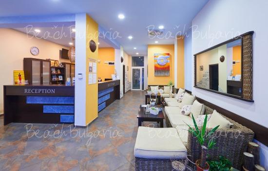 Regatta hotel9