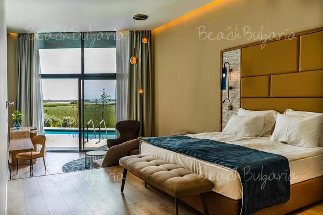 Wave Resort21