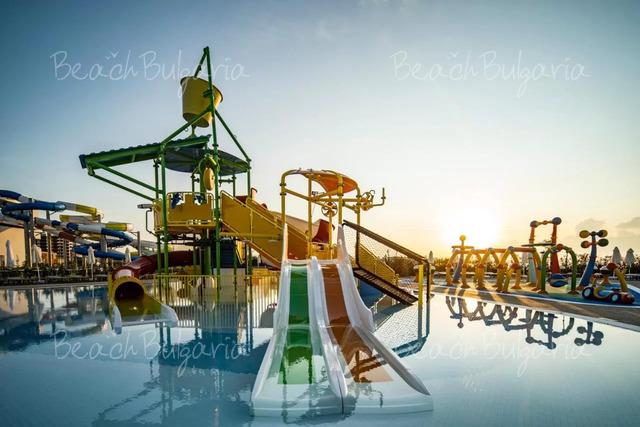 Wave Resort8