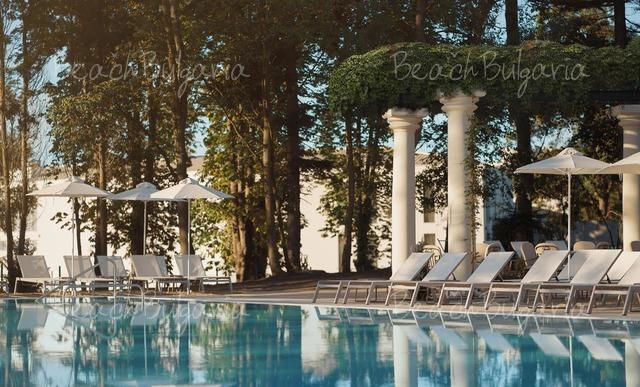 Astor Garden Hotel4