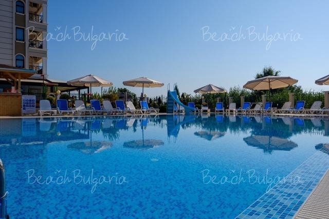 Veramar Beach Hotel11