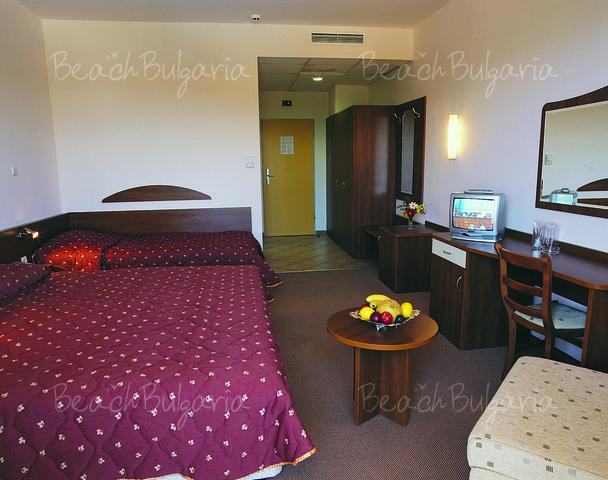 Continental Prima Hotel5