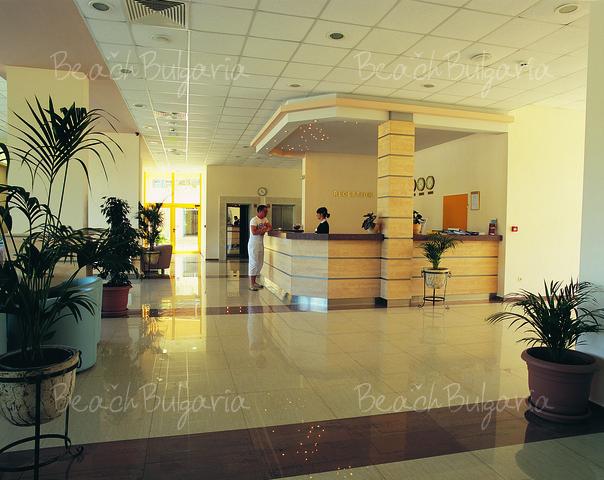 Continental Prima Hotel8