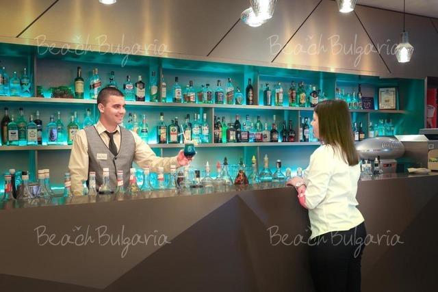Marina Grand Beach10