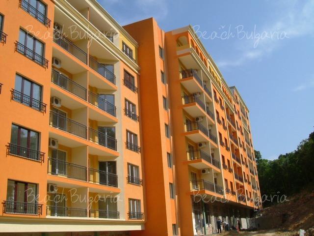 Club Paradise Park Apartments