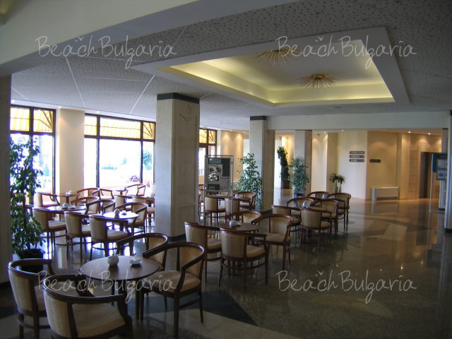 Riviera Beach Hotel6