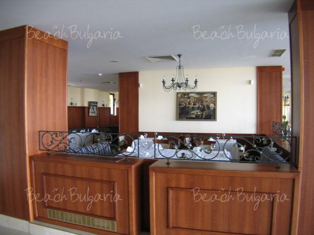 Riviera Beach Hotel10