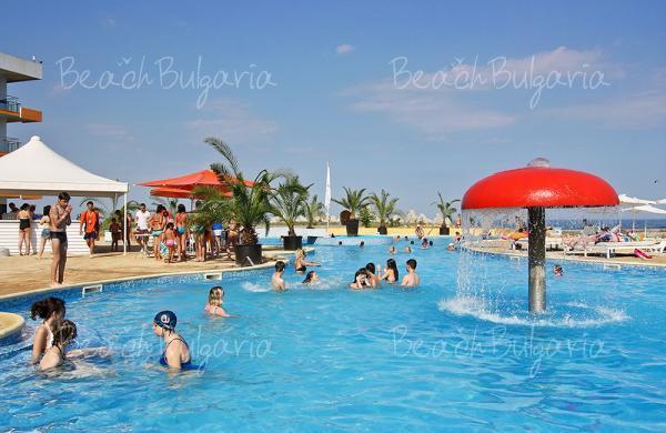 Dolphin Marina Hotel13