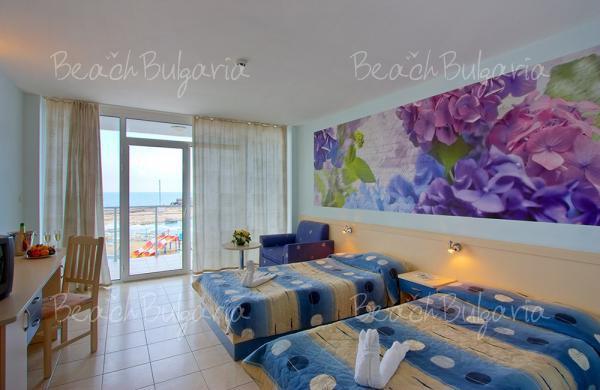 Dolphin Marina Hotel5