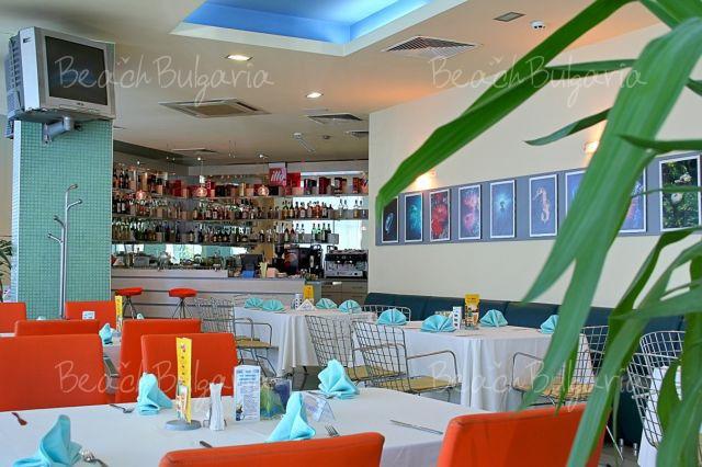 Aqua Hotel9