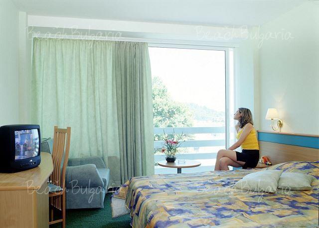 Veronica Hotel6