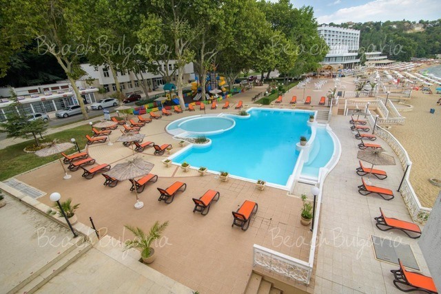 Marina Hotel2