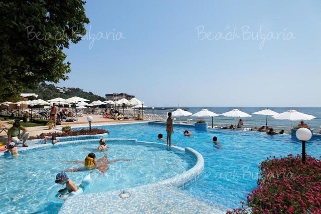 Marina Hotel11