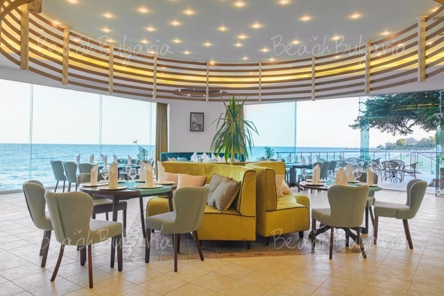 Marina Hotel15