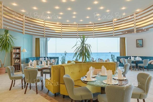 Marina Hotel17