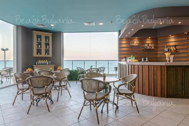 Marina Hotel21