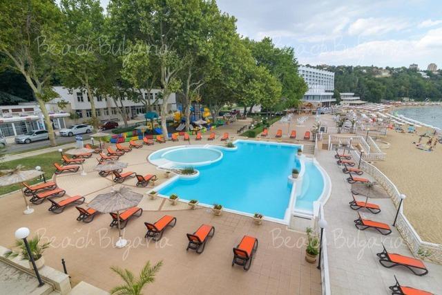 Marina Hotel4