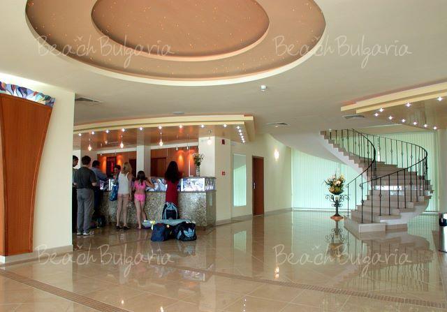 Mirage Hotel4