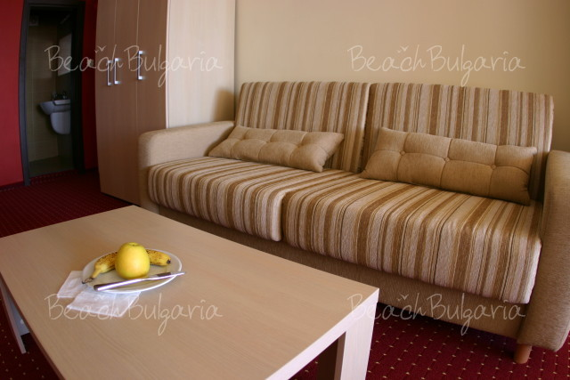 Lola Hotel2