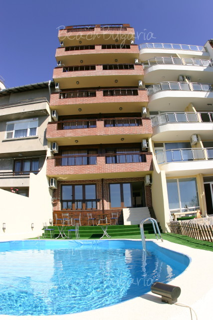 Lola Hotel12