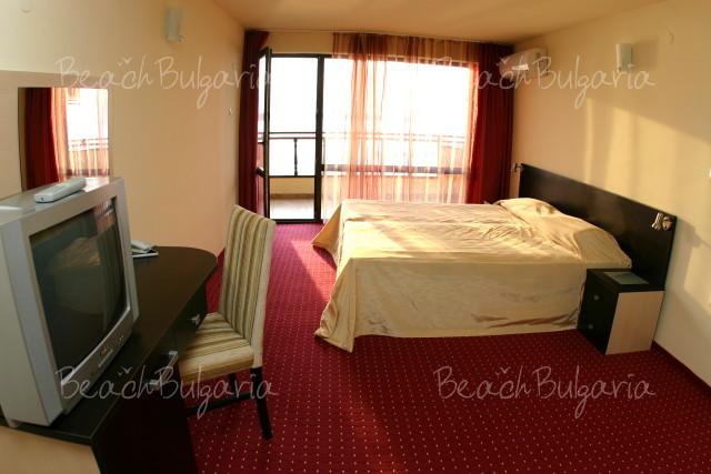 Lola Hotel3