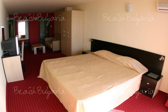 Lola Hotel5